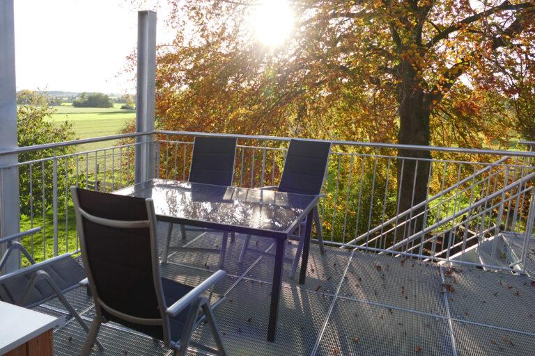 Balkon in der Herbstsonne